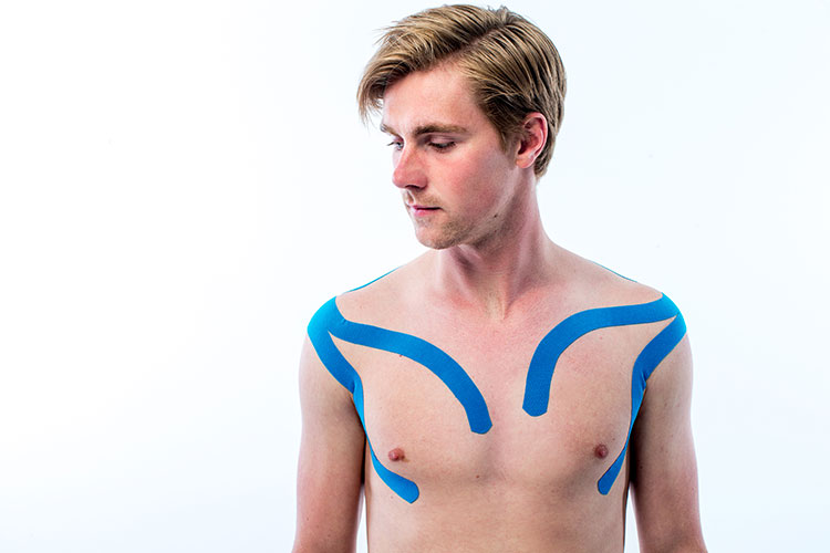 medical-taping-hooikoorts-pectoralis-major