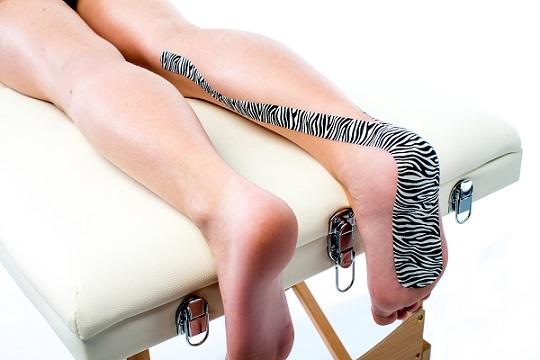 """medical taping behandeling bij """"tenenlopen"""" - fysiotape"""