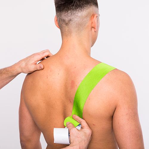 afwijkende schouderstand tapen stap 2